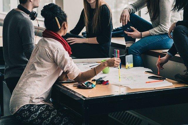 Escribir para jóvenes: ¿Te animas a afrontar el desafío?